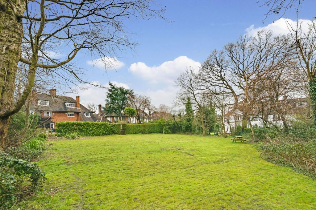 Image of Thornton Way, Hampstead Garden Suburb, London, NW11