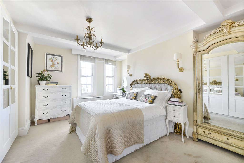 Image of Chalfont Court, Baker Street, London, NW1